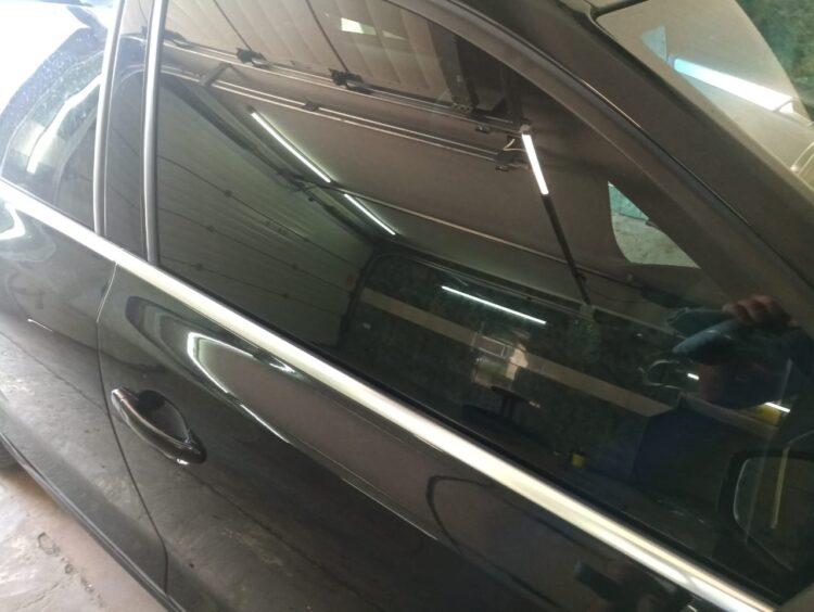 тонировка-лобового-стекла-авто